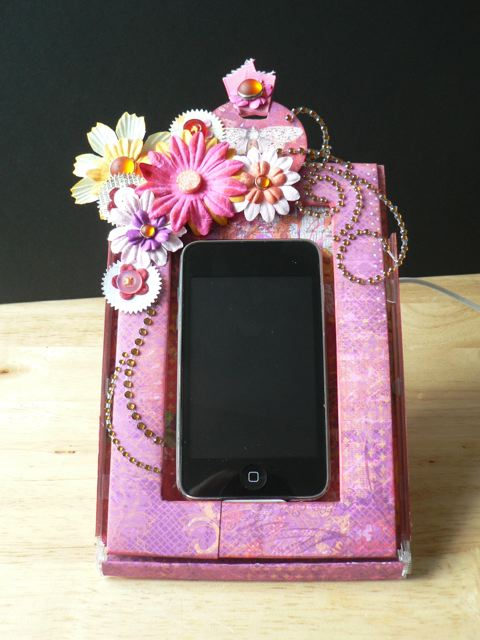 Pretty pink iPhone dock